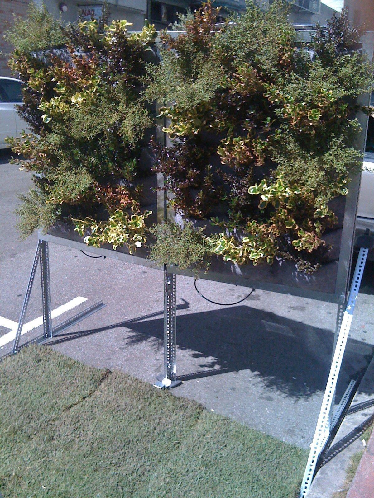 Chris-Bribach-Plants-On-Walls-Parking-Day-2